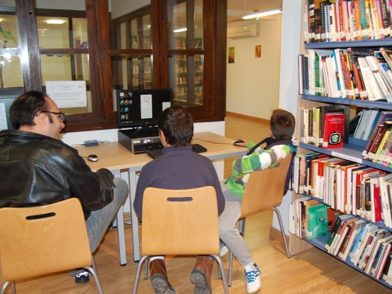 La biblioteca de Cenes de la Vega amplia su horario y renueva su oferta de actividades educativas y culturales