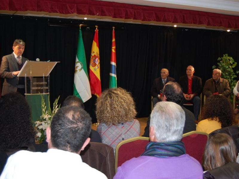 Cenes de la Vega otorga las primeras distinciones a colectivos, personas y asociaciones en el Día de Andalucía
