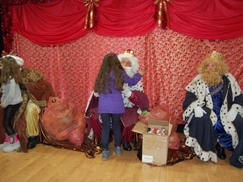 La lluvia no puede con la Cabalgata de Reyes Magos de Cenes de la Vega