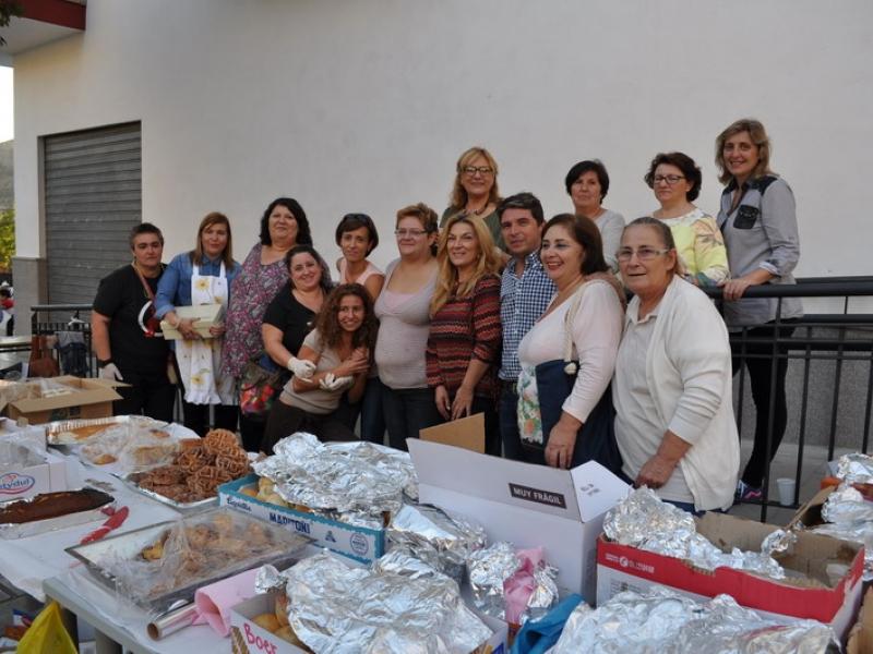 Más de 500 euros recaudados para Cáritas en la merienda solidaria organizada por asociaciones y Ayuntamiento