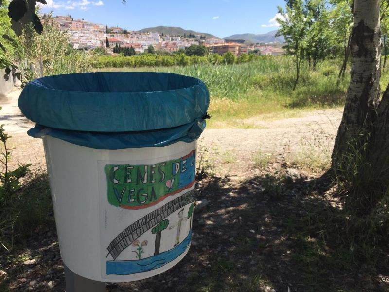 Papeleras con mensajes medioambientales