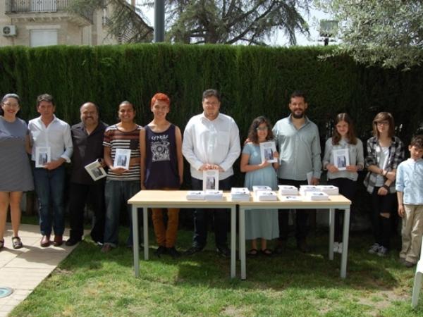 Autores y autoras de la I Antología de Relatos, poesías e ilustraciones de Cenes de la Vega