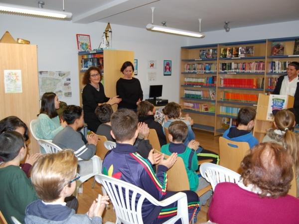 La biblioteca de Cenes de la Vega programa un concurso de antología de relatos, poemas e ilustraciones en la celebración de su VII aniversario